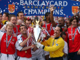 Arsenal chase down big-spending United to claim the title - the 2001/02 Premier League