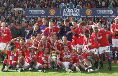 Premier League 2010-11: United become most successful league champions ever