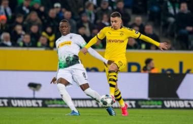 Hazard twists Gladbach inside out for Bundesliga Goal of the Week