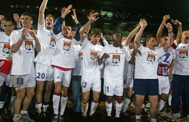 Five in a row for Lyon as rivals continue to struggle - Ligue 1 2005/06