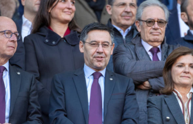Bartomeu faces Barcelona exit as no confidence vote is upheld