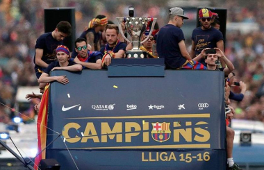 La Liga 2015-16:  Barcelona successfully defended their title by a solitary point
