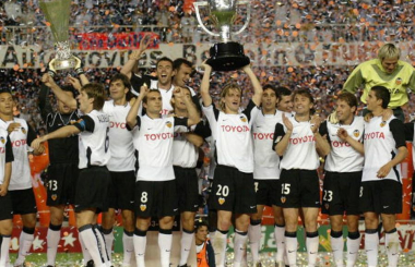 Valencia reclaim title from Real Madrid - La Liga 2003-04