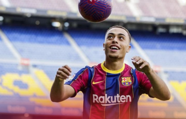 Official: Barcelona sign €21m Dest from Ajax