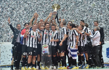 Conte returns to make Juventus unbeatable - Serie A in 2011/12